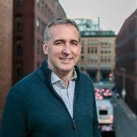 Paul Stamp, Vice President, Produkt Management