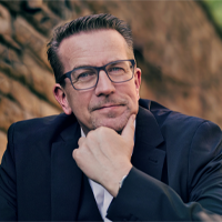 Jörg von der Heydt, Regional Director