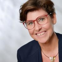 Petra Menzel, Geschäftsführerin